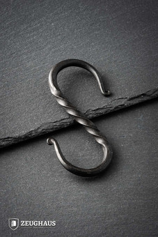 S Shaped Hook (twisted body)