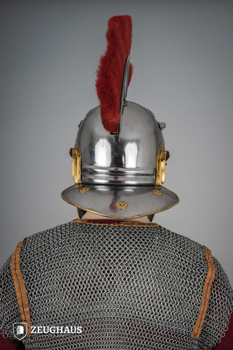 roman legionnaire helmet with horsehair crest, polished Big Picture-4