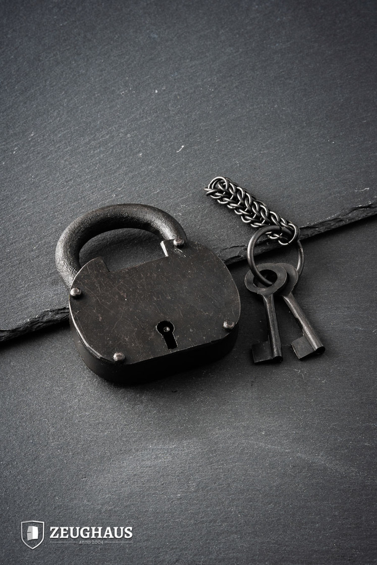 The Pirate Padlock Iron with Chainmail Keychain & Two Keys Big Picture-0