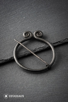 Ring Shaped Twisted Brooch Iron