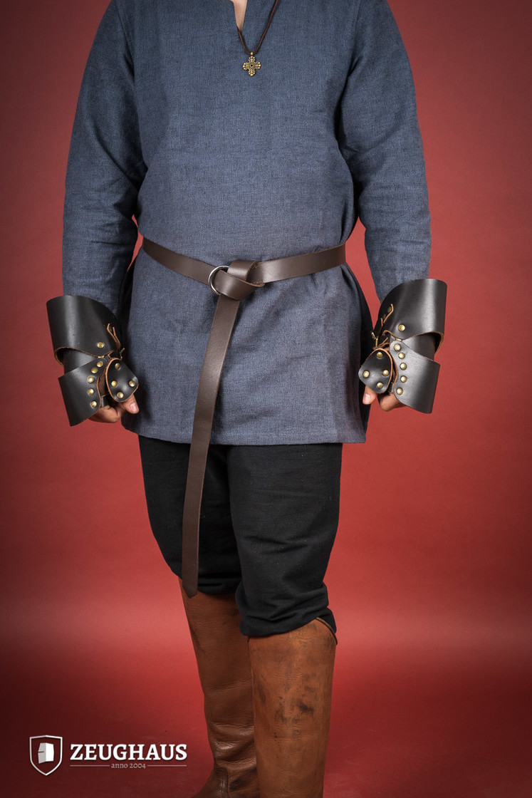 Leather Gauntlets Big Picture-0