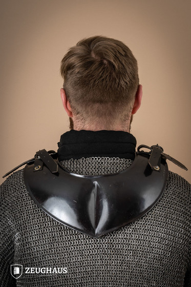 Collar Pointed, blackened