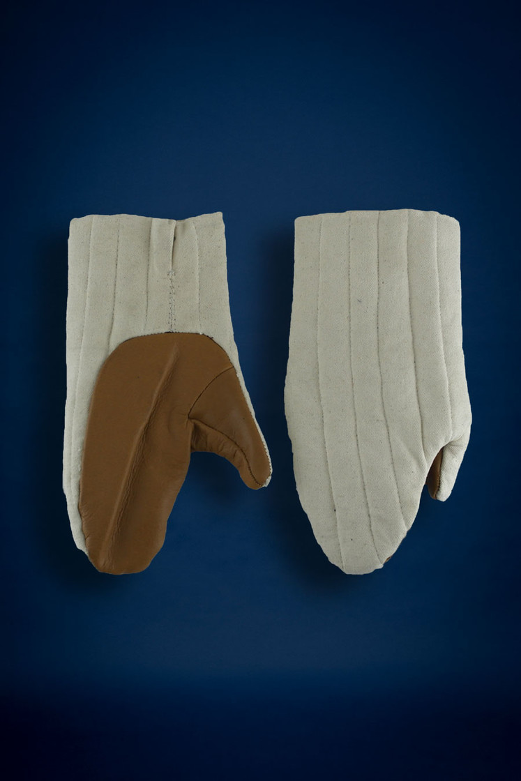 padded mitten, ecru with leather palms Big Picture-0