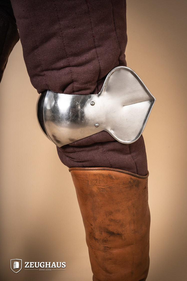 knee protection 15 C., polished Big Picture-1